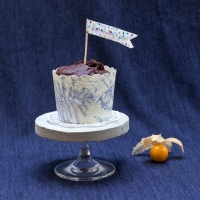 Sarah's #Upcycled Broken Wine Glass Cake Stand #Tutorial