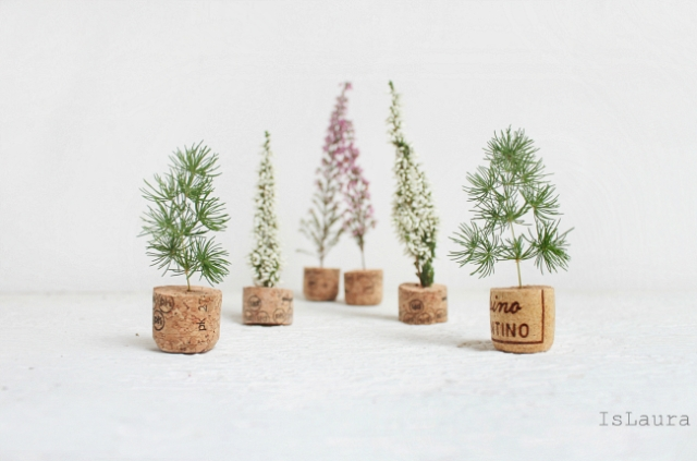 diy mini christmas trees from upcycled corks