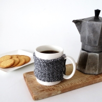 Ama's easy #DIY no-knit mug cozy