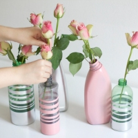 Simple #Upcycled Plastic Bottle Vases