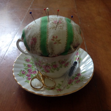 Upcycled teacup pin cushion tutorial