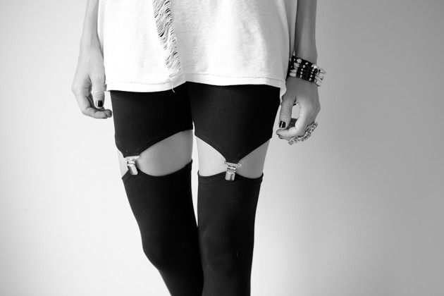 diy garter suspender leggings refashion