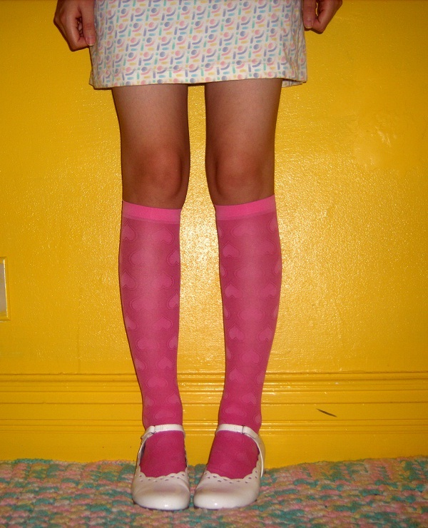 easy upcycled knee socks tutorials