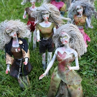 Amanda's Awesome #DIY #Zombie Barbies