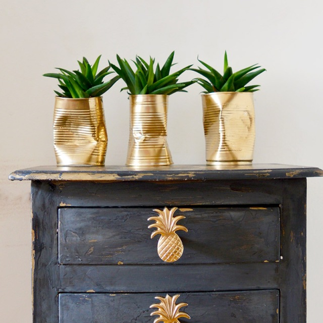 gold-can-diy-planters