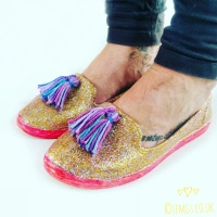 Easy #Springtime #DIY Glitter Shoes