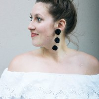 Simple #DIY PomPom Earrings