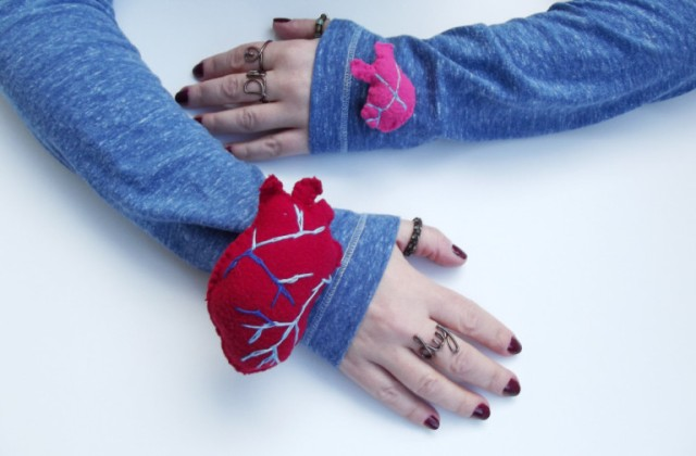 diy-heart-on-sleeve-pins-tute
