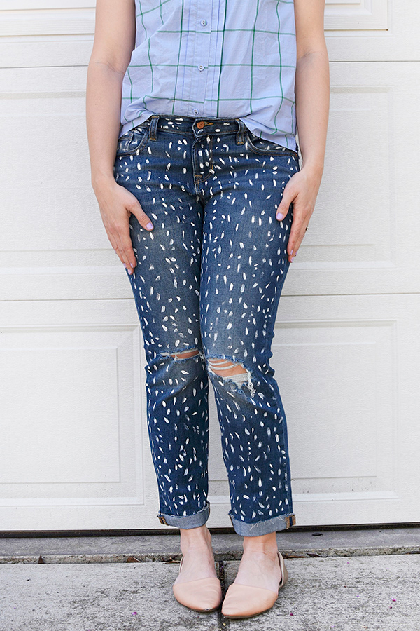 DIY-White-Painted-Patterned-Jeans