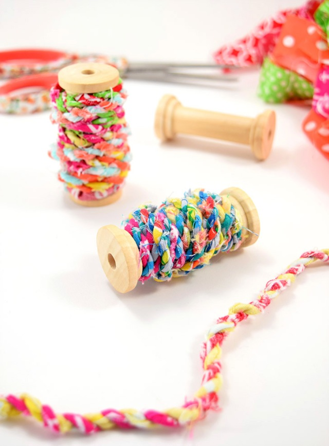 diy-fabric-scrap-twine-stash-busting-dreamalittlebigger-01