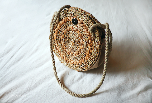 DIY round straw bag
