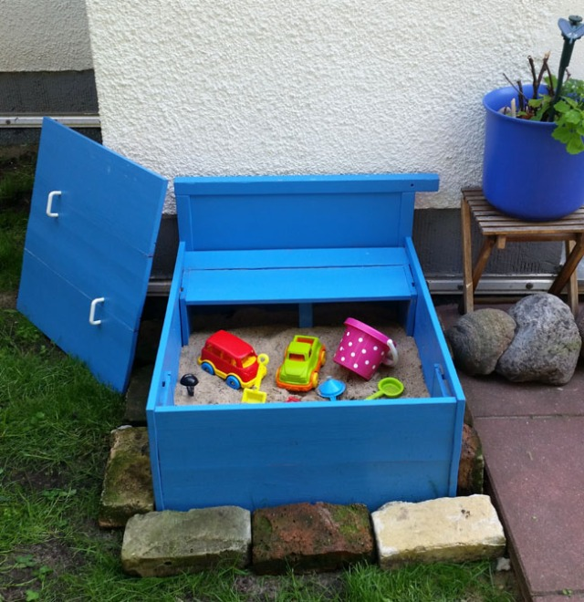 Upcycled-sandbox-DIY-3
