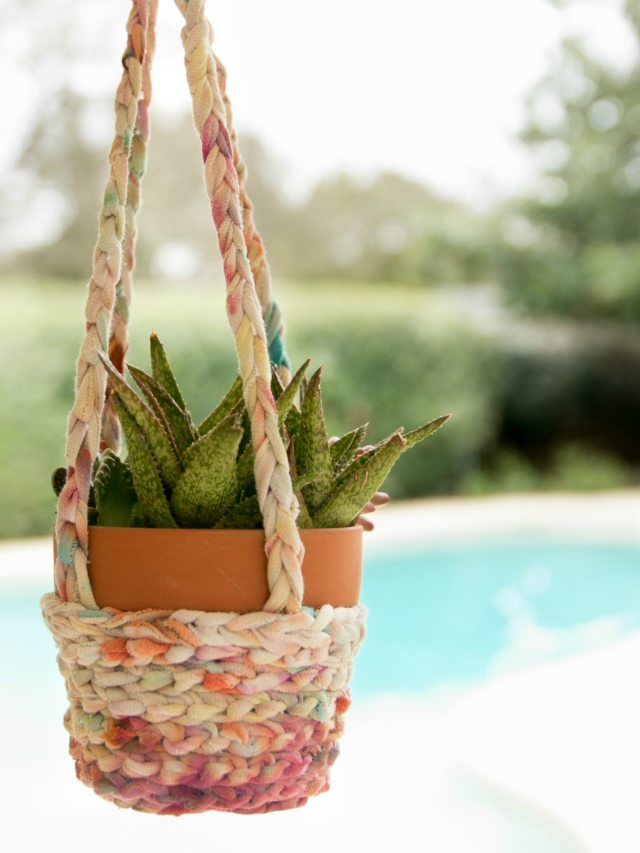 diy upcycled t-shirt yarn planter