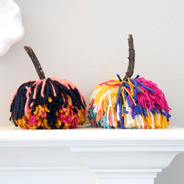 DIY-Large-Pom-Pom-Pumpkins