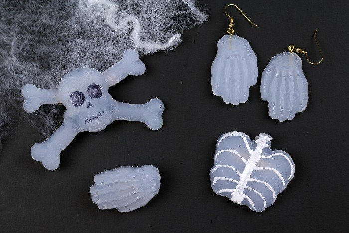 Skeleton-Jewelry-for-Halloween-Made-from-Hot-Glue