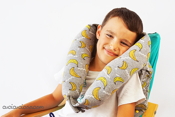 how-to-make-a-neck-pillow-from-a-sweatshirt-12